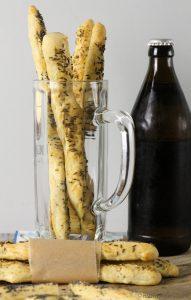 knusperstangen-kuemmel-mohn-hefeteig-bier-6