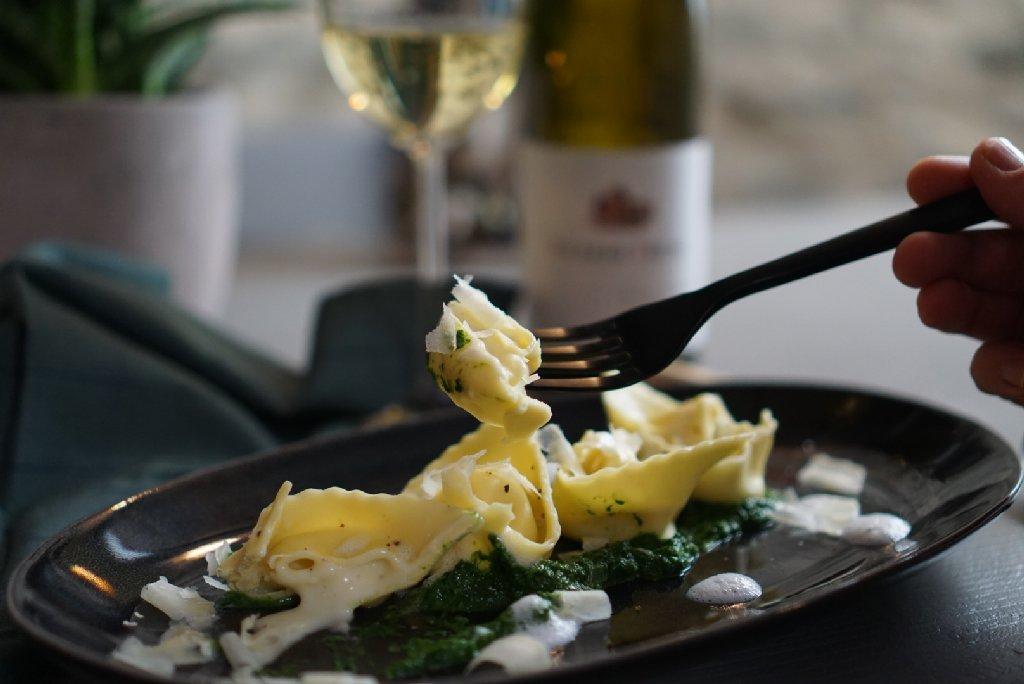 Tortellini auf Spinat - Food.Blog.Church.2018 - Schlemmerkatze